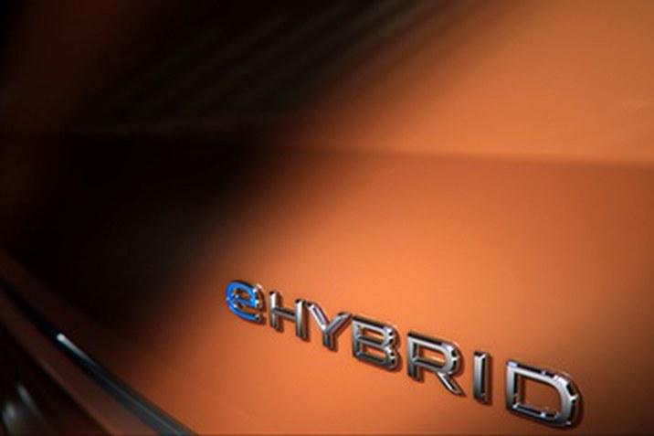 """Az új Multivan – Az idén készül először plug-in hibrid hajtásrendszerrel is a """"bestseller"""" egyterű"""