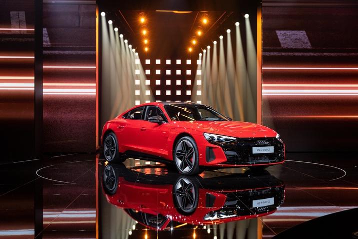 Az Audi e-tron GT online világpremierje
