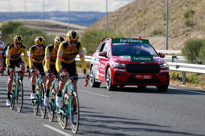 Hogyan lesz egy autógyártó a kerékpársport elkötelezett támogatója?