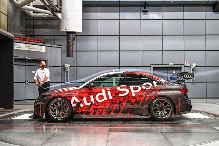 Jelenleg is zajlik az új Audi RS 3 LMS intenzív fejlesztése